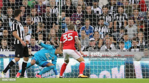 Nottingham Forest's Jason Cummings scores his side's first goal of the game during the Carabao Cup Second Round match at St James' Park Newcastle