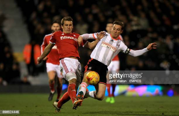 Nottingham Forest's Robert Tesche battles for the ball with Fulham's Scott Parker