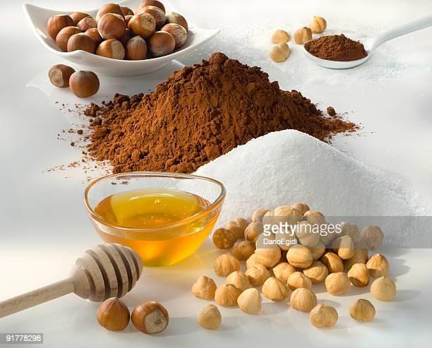 Nougat ingrédients, noisettes, de miel, de sucre et de cacao