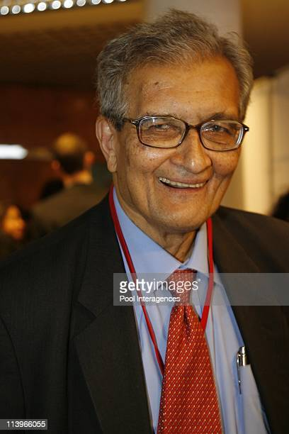 'Nouveau Monde Nouveau Capitalisme' conference In Paris France On January 08 2009Amartya Sen professor and Nobel laureate in economics at the...