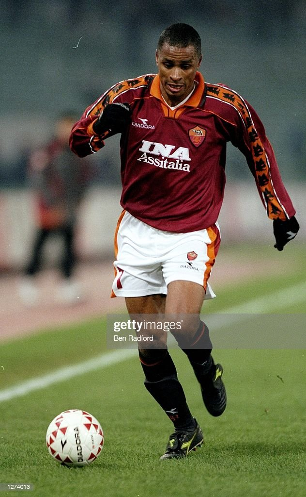 Paulo Sergio of Roma on the ball during the UEFA Cup third round first leg match FC Zurich at the Stadio Olimpico in Rome Roma won 10 Mandatory...