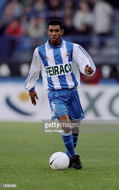 Djalminha of Deportivo la Coruna on the ball during the Primera Liga match at the Vicente Calderon Stadium in Madrid Spain Pic Nuno Correia Mandatory...
