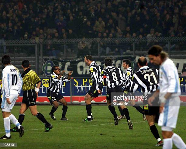 Juventus players celebrate Igor Tudor's goal during the Serie A 6th Round League match between Juventus and Lazio played at the Delle Alpi stadium...