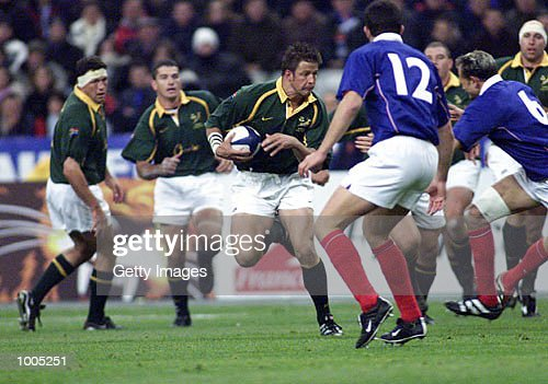 Bob Skinstad of South Africa looks to make a break, during the Test Match of South Africa v France in the Springboks Tour held at Stade de France, Paris. DIGITAL IMAGE. Mandatory Credit: Touchline Photo/ALLSPORT