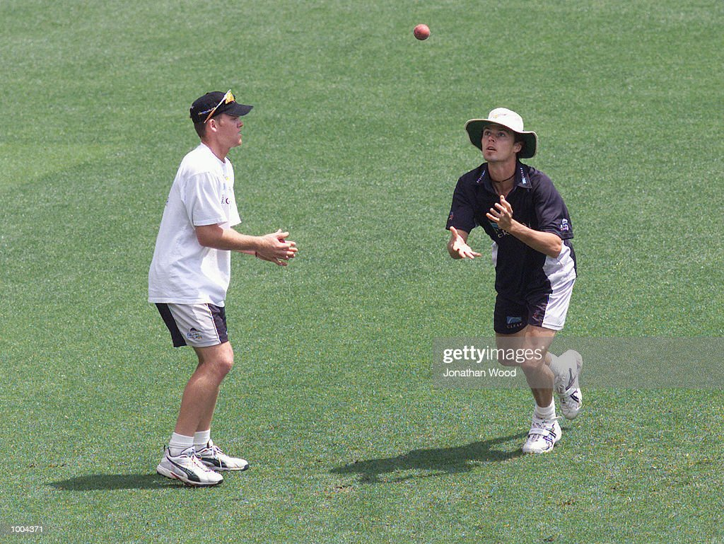 Chris Martin and Lou Vincent of New Zealand in action during a team training session held at the Gabba, Brisbane, Australia. DIGITAL IMAGE. Mandatory Credit: Jonathan Wood/ALLSPORT