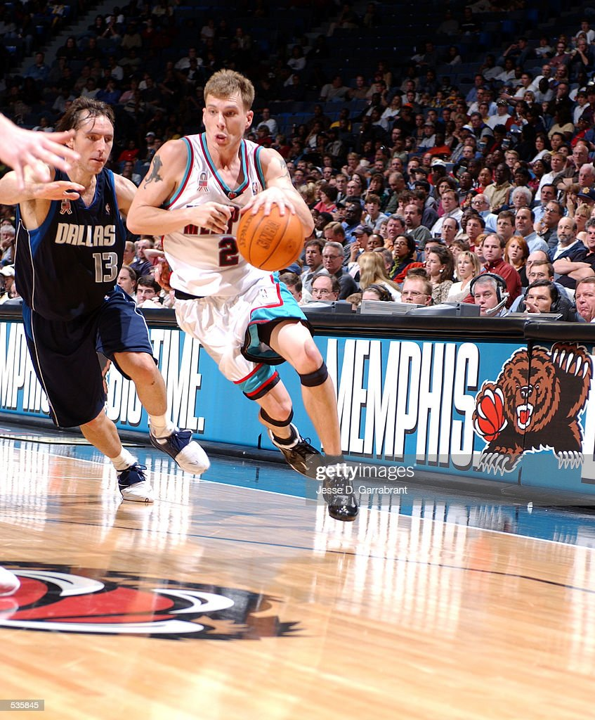 Jason Williams of the Memphis Grizzlies drives
