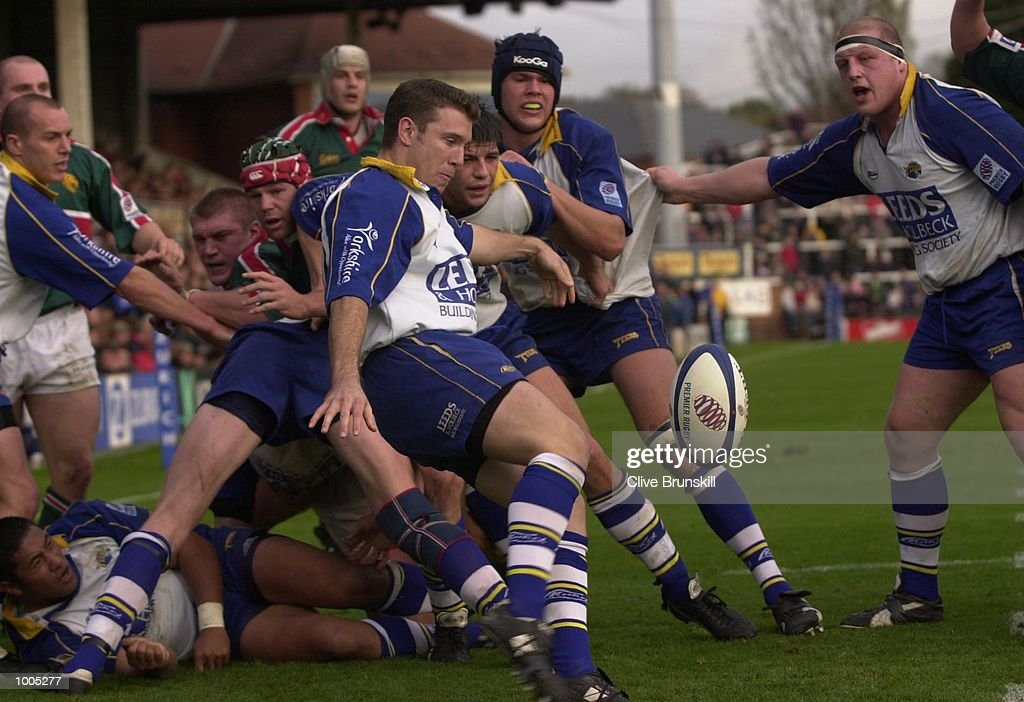 John O''Reilly of Leeds clears against Leicester in the Zurich Premiership match between Leeds Tykes and Leicester Tigers at Headingley, Leeds. DIGITAL IMAGE. Mandatory Credit: Clive Brunskill/ALLSPORT