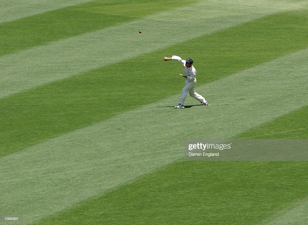 Justin Langer of Australia fielding in the outfield against New Zealand during day five of the first Cricket test between Australia and New Zealand played at the Gabba in Brisbane, Australia. DIGITAL IMAGE. Mandatory Credit: Darren England/ALLSPORT