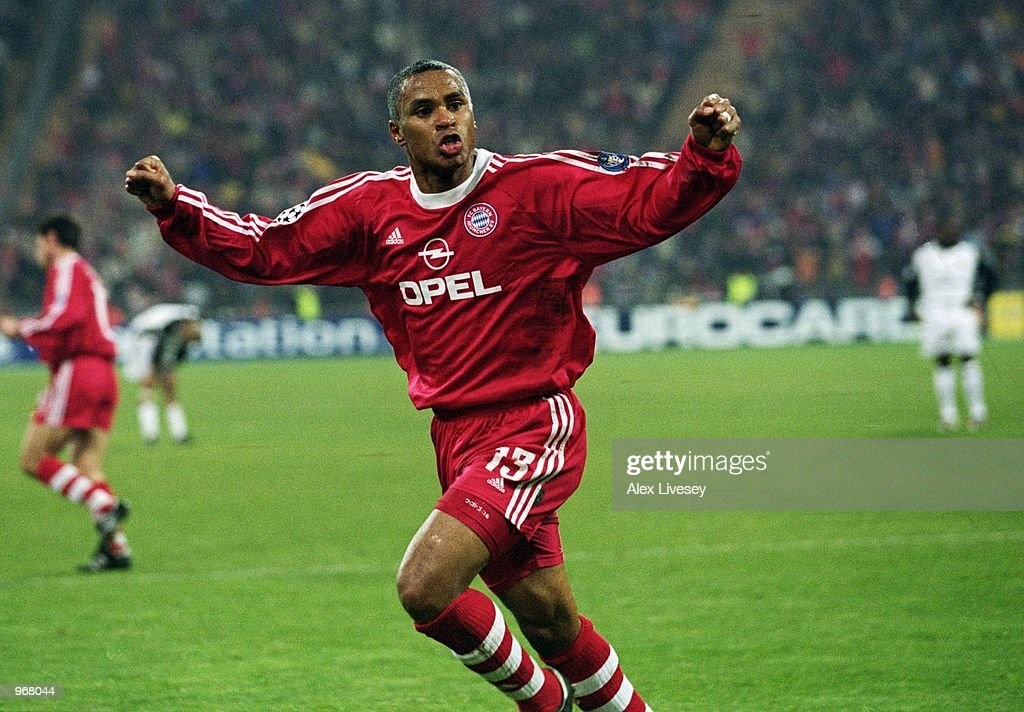 Paulo Sergio of Bayern Munich celebrates scoring a dramatic equalising goal during the UEFA Champions League Group A match against Manchester United...