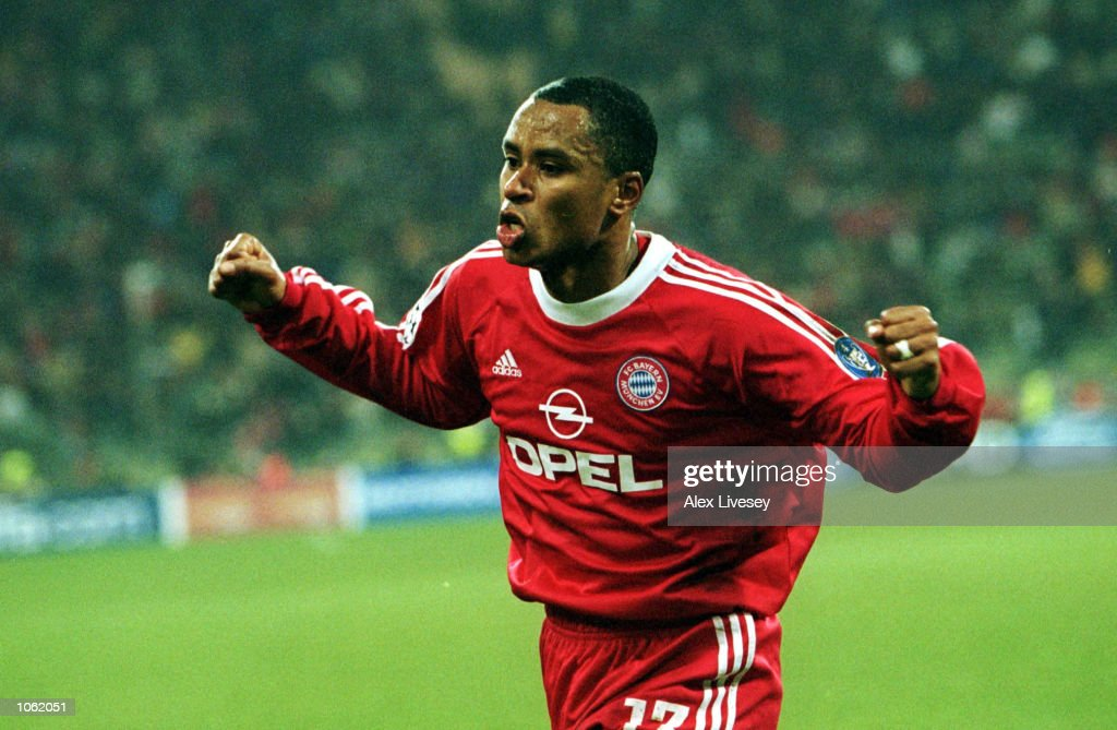 Paulo Sergio of Bayern Munich celebrates scoring a goal during the UEFA Champions League Group A match between Bayern Munich and Manchester United at...