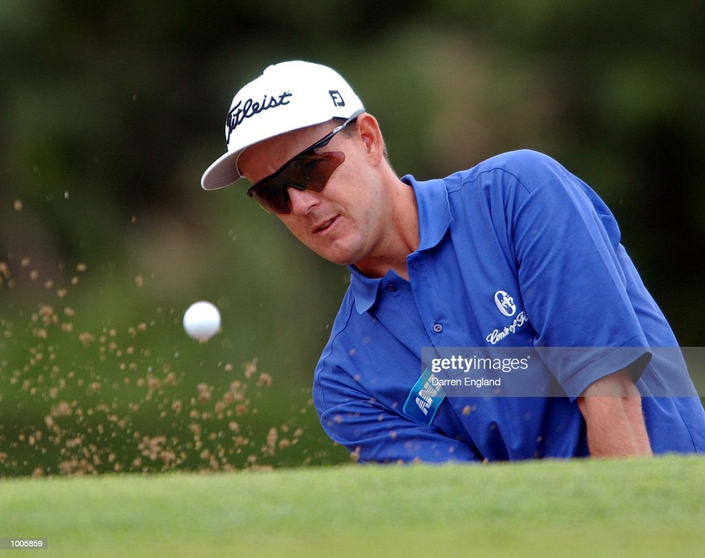 Stephen Leaney of Australia chips on to the 14th green during the first round of the Australian PGA Championship being played at Royal Queensland Golf Club in Brisbane, Australia. He finished his round at two under par. DIGITAL IMAGE. Mandatory Credit: Darren England/ALLSPORT