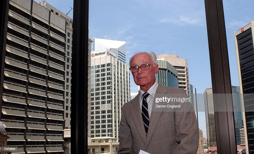 Walter Hadlee of New Zealand looks on the Brisbane skyline at the Captains luncheon to celebrate 55 years of Australia v New Zealand cricket at the Sheraton Hotel in Brisbane, Australia. Hadlee was the captain of the New Zealand team for thefirst test against Australia in 1945-46. DIGITAL IMAGE. Mandatory Credit: Darren England/ALLSPORT