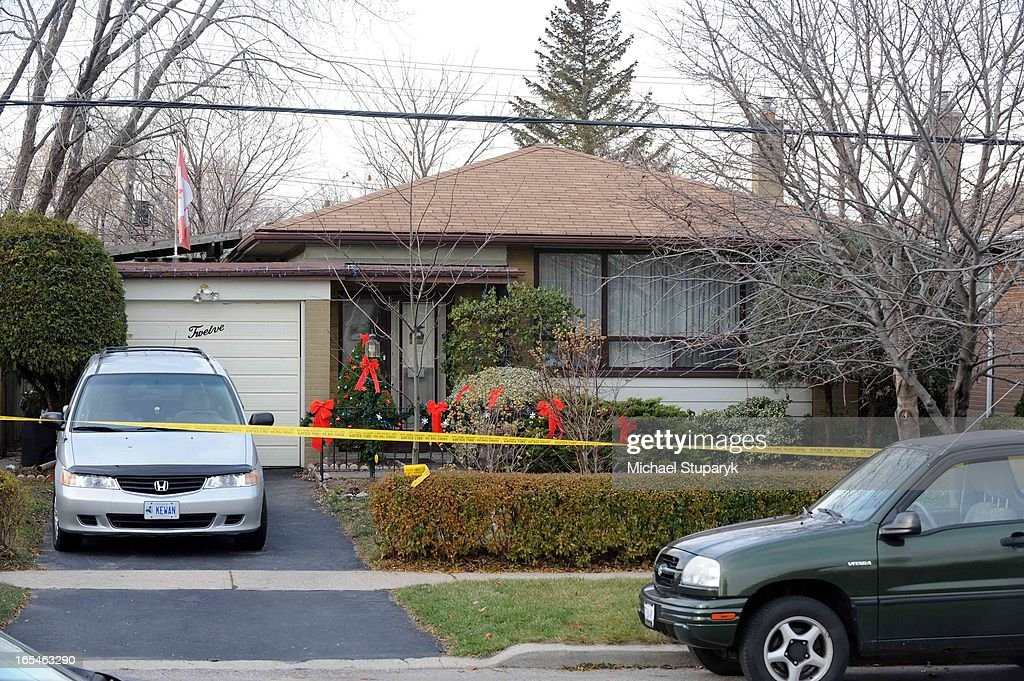 Nov19 2008 Multiple homicide at 12 Welwyn in Scarborough Exterior of housecar plate in driveway is KEWIN Toronto Star/Michael Stuparyk