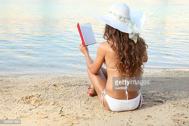 Novel on the beach
