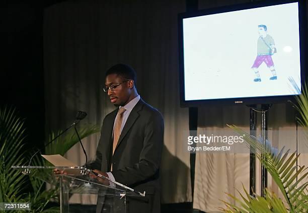 Novelist Uzodinma Iweala speaks at the Kagenoorg benefit at Guastavino's October 30 2006 in New York City