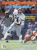 November 17 1980 Sports Illustrated Cover College Football Georgia Herschel Walker in action rushing vs Florida Jacksonville FL CREDIT Andy Hayt