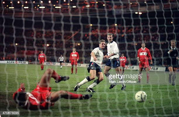 18 November 1992 FIFA World Cup Qualifier England v Turkey Paul Gascoigne scores a goal for England watched by Alan Shearer