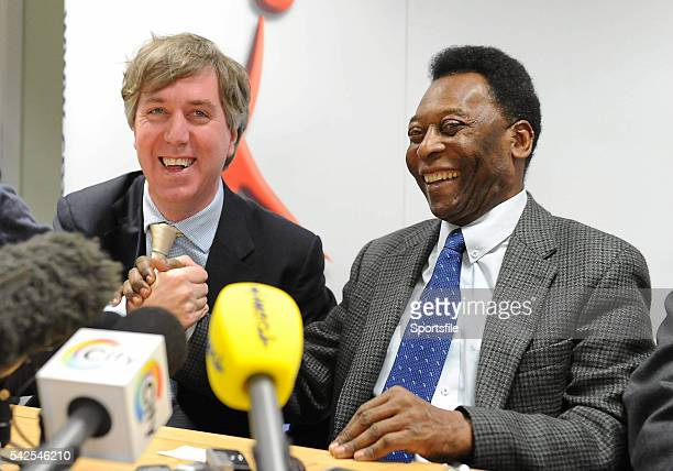 26 November 2009 Brazilian soccer legend Pelé shares a laugh with FAI Chief Executive John Delaney left at a press conference during a visit to Our...