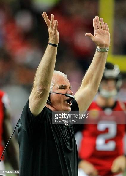 Atlanta Falcons head coach Mike Smith reacts in first half action of the Arizona Cardinals at Atlanta Falcons game at the Georgia Dome in Atlanta...