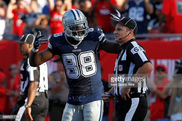 Dallas Cowboys wide receiver Dez Bryant complains about pass interference to back judge Jim Quirk after Tampa Bay Buccaneers free safety Bradley...