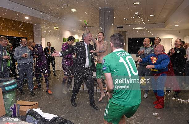 16 November 2015 FAI Chief Executive John Delaney celebrates with Republic of Ireland players in the dressingroom UEFA EURO 2016 Championship...