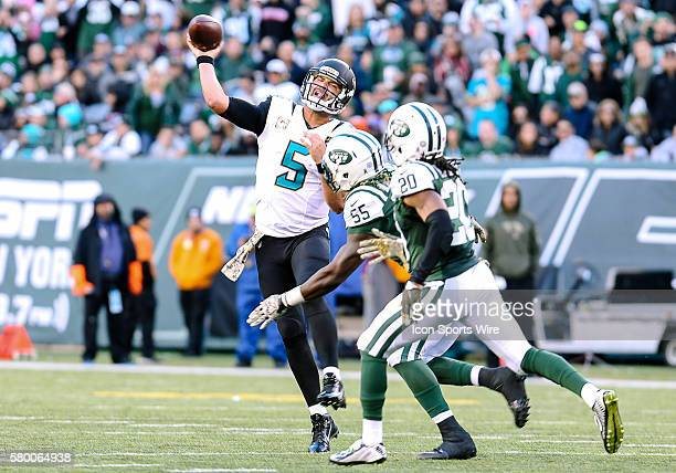 Jacksonville Jaguars Quarterback Blake Bortles [4448] throws a pass under pressure during the 2nd half of the game between the Jacksonville Jaguars...