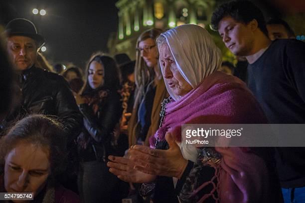 Place de la République recueillement et hommages aux victimes de l'attentat terroriste perpetré par des djihadistes de l'Etat islamique vendredi 13...