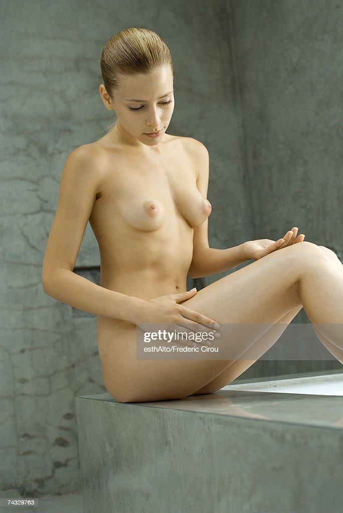 Hot Young Teen Daughter Flashing Ass