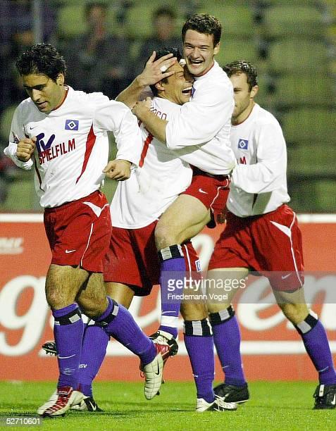 1 BUNDESLIGA 02/03 Nuernberg 1 FC NUERNBERG HAMBURGER SV JUBEL nach dem Tor zum 12 durch Marcel MALTRITZ/HSV mit Rodolfo CARDOSO