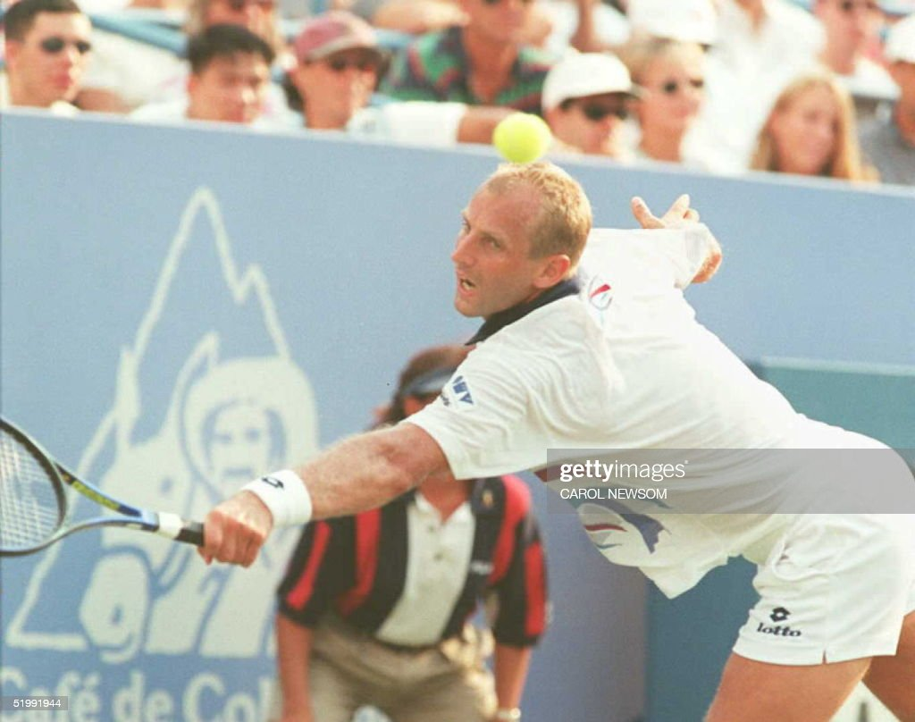 Number three seeded Thomas Muster of Austria lunge