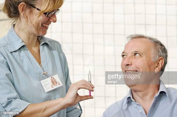 看護師ギブ男性向けワクチン接種