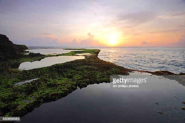 nusa lembongan beach sunset
