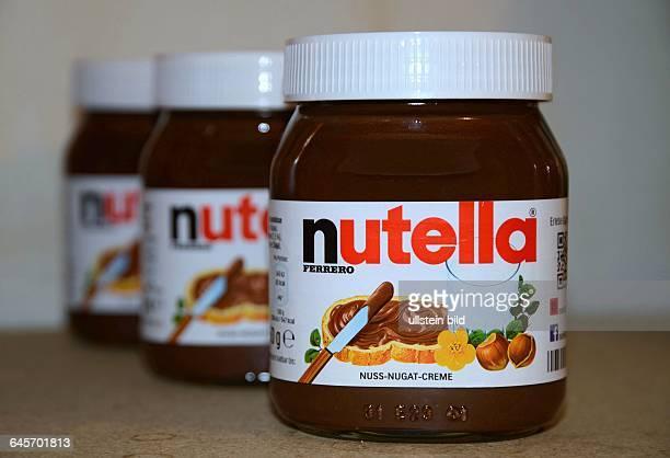 Nutella ist ein suesser Haselnussbrotaufstrich des italienischen Herstellers Ferrero der in Konsistenz und Geschmack an Nougat erinnert Er besteht...