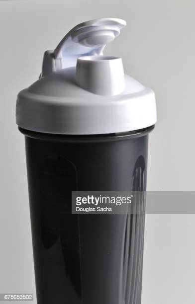 Nutritional drink mixing bottle