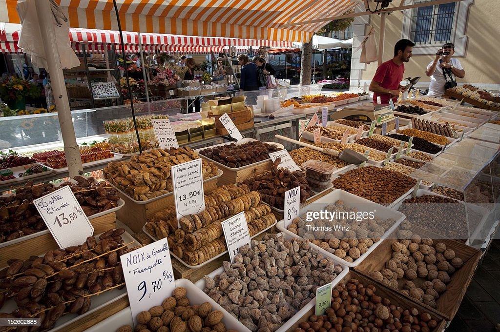 Nuts and dried fruit : Stock Photo