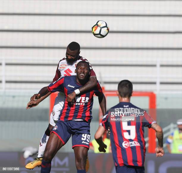 Nwankwo Simy of Crotone competes for the ball in air with Nicolas N'Koulou of Torino during the Serie A match between FC Crotone and Torino FC at...