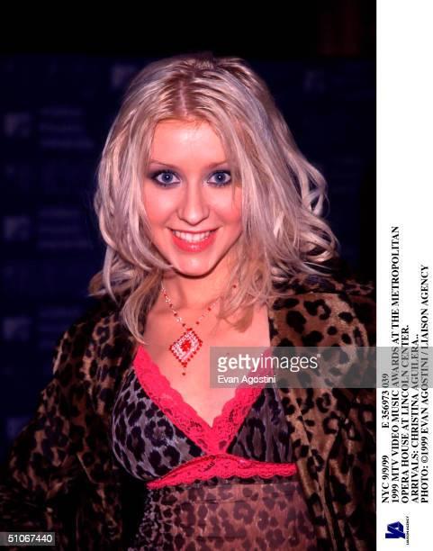 Nyc 9/9/99 E 356973 039 1999 MTV Video Music Awards At The Metropolitan Opera House At Lincoln Center Arrivals Christina Aguilera
