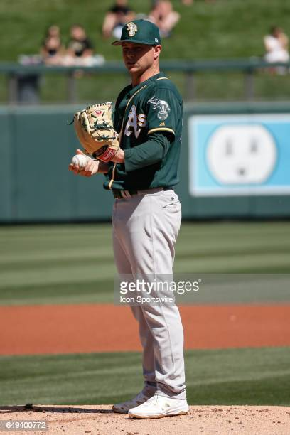Oakland Athletics starting pitcher Sonny Gray warms up during the spring training baseball game between the Oakland Athletics and the Arizona...