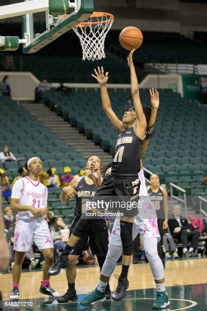 Oakland Golden Grizzlies F Hannah Little shoots during the second quarter of the women's college basketball game between the Oakland Golden Grizzlies...