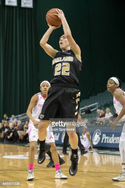 Oakland Golden Grizzlies G Taylor Gleason shoots during the second quarter of the women's college basketball game between the Oakland Golden...
