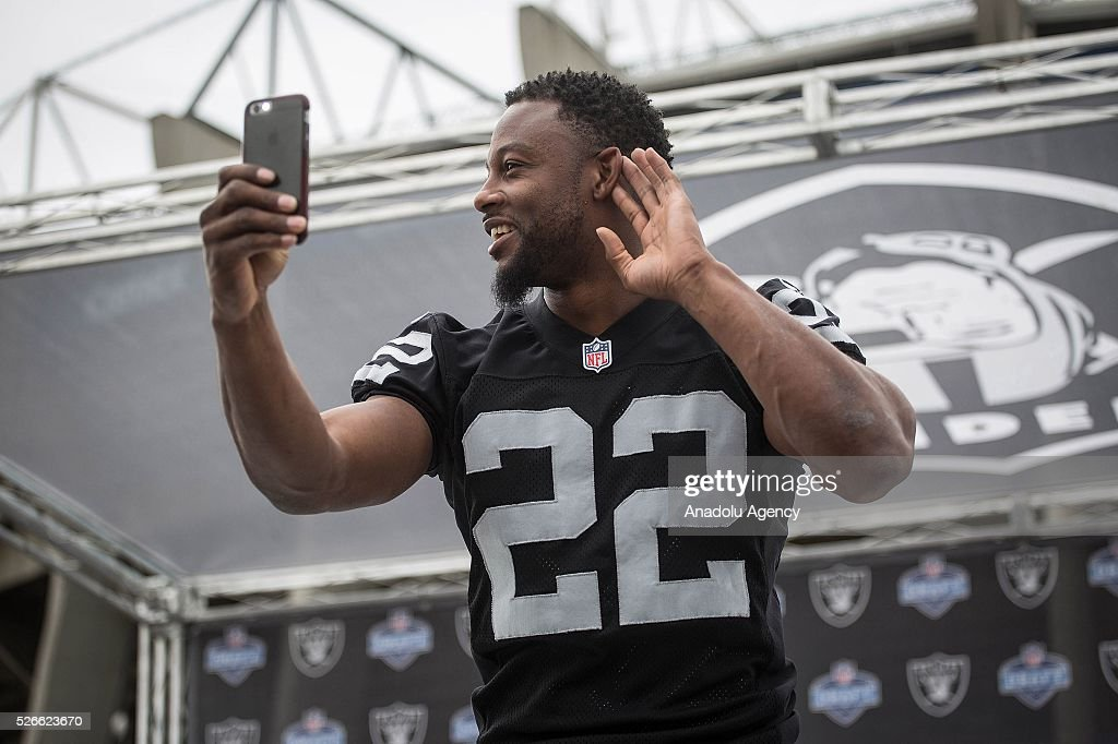 Oakland Raiders Running Back, Taiwan Jones, speaks to the fans during The Oakland Raiders Fan Fest in Mexico City, Mexico on April 30, 2016. Raiders and HoustonTexans will play at the Azteca Stadium next Nov 21, will also be the first Monday Night NFL game played outside the U.S.