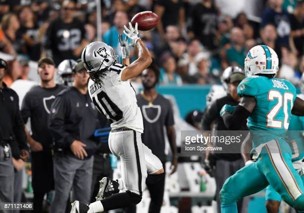 Oakland Raiders wide receiver Seth Roberts catches a pass during an NFL football game between the Oakland Raiders and the Miami Dolphins on November...
