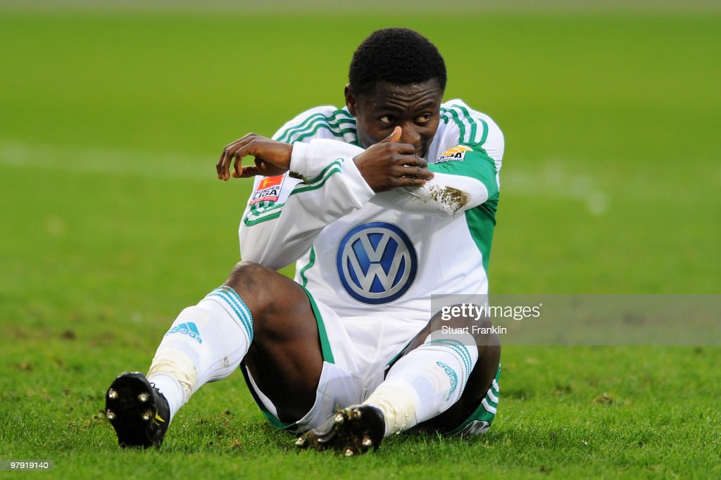 <a gi-track='captionPersonalityLinkClicked' href=/galleries/search?phrase=Obafemi+Martins&family=editorial&specificpeople=224574 ng-click='$event.stopPropagation()'>Obafemi Martins</a> of Wolfsburg looks dejected during the Bundesliga match between VfL Wolfsburg and Hertha BSC Berlin at Volkswagen Arena on March 21, 2010 in Wolfsburg, Germany.
