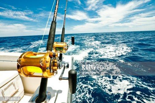 Ocean Carretos de pesca em um barco no Mar