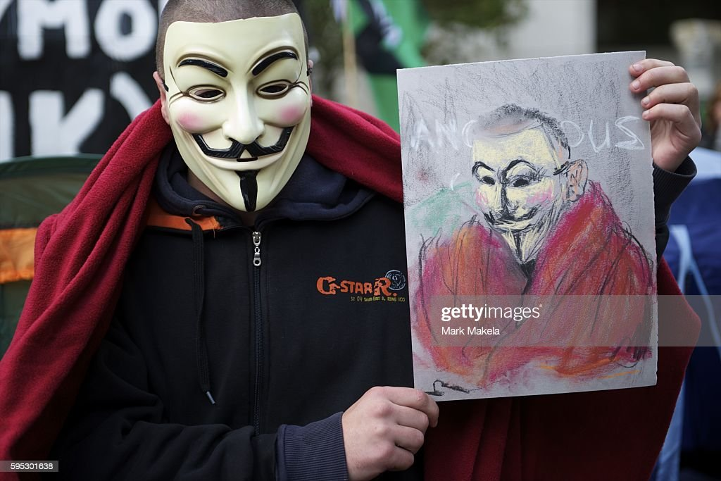 Oct 19 2011 London England UK A protestor poses for a pastel portrait Hundreds of protestors camp outside St Paul's Cathedral as part of Occupy...