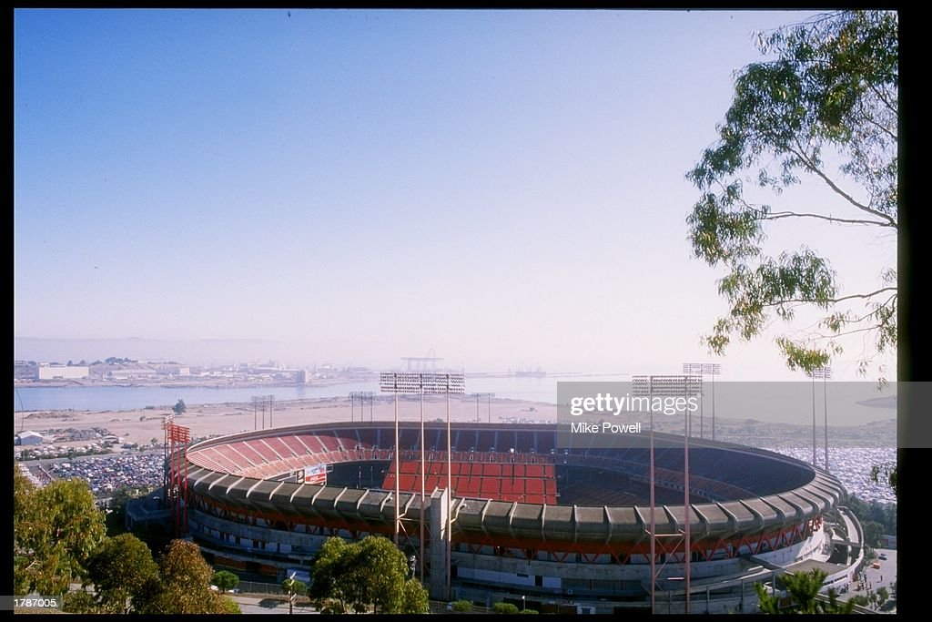 General view of a game between the San Francisco 49ers and the Chicago Bears at Candlestick Park in San Francisco California The Bears won the game...