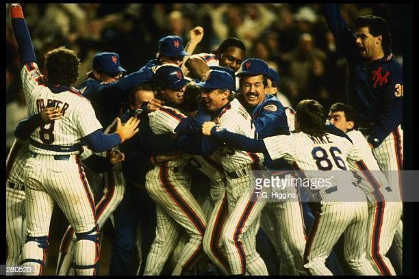 The New York Mets celebrate after an 85 win over the Boston Red Sox in game 7 of the World Series at Shea Stadium in Flushing New York The Mets won...