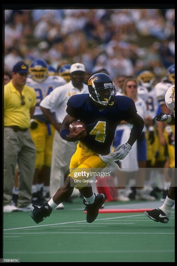 Wide receiver Na''il Benjamin of the California Golden Bears moves down the field during a game against the San Jose State Spartans at Spartan...