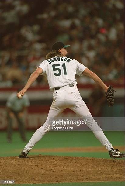 SEATTLE MARINERS PITCHER RANDY JOHNSON IN ACTION DURING THE 11TH INNING OF MARINERS'' 65 GAME