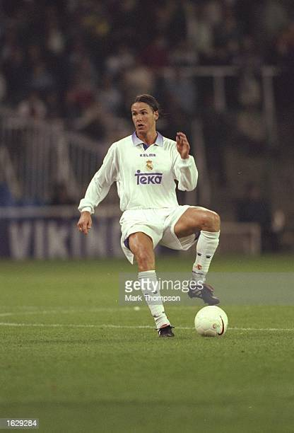 Fernando Redondo of Real Madrid in action during the UEFA Champions League match against Olympiakos at the Bernabeu Stadium in Madrid Spain Real...